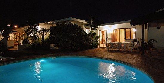 Pelican Place Guest Cottages