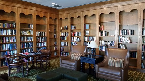 Roanoke, WV: Library at lodge