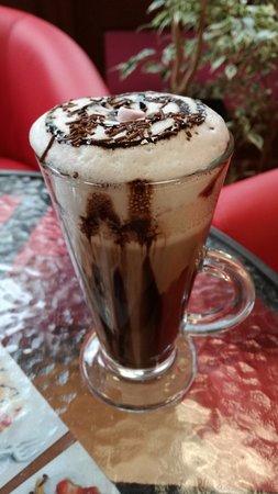 Midsomer Norton, UK: hot chocolate - real Belgium double choc.