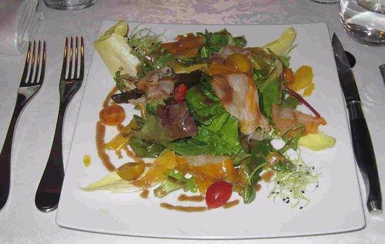 Saint-Meard-de-Gurcon, France: My smoked haddock salad, delicious!