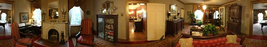 The Fox Inn Bed & Breakfast : A 360° photo using Google cardboard. This captures the recreational area, just past the dining r