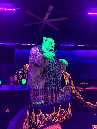 Monster Mini Golf