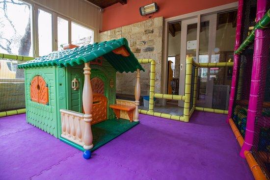 Eleonas: indoor play  ground