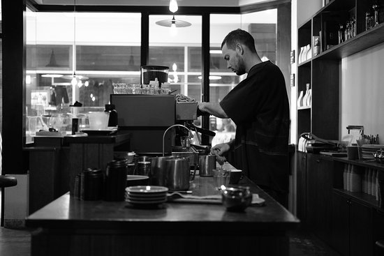 Mount Lawley, Australien: Amazing visit to one of the most unique and exciting coffee shops I've visited. Busy little shop