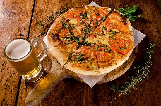 Di Mare Di Vino : Pizza Italian specialty of the house
