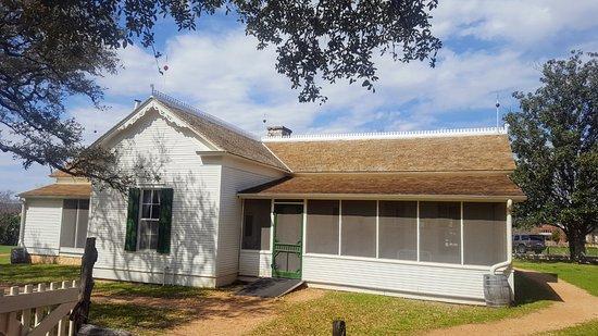 Lyndon B. Johnson Boyhood Home : lbj homestead from the rear. nice roof and lightening rods