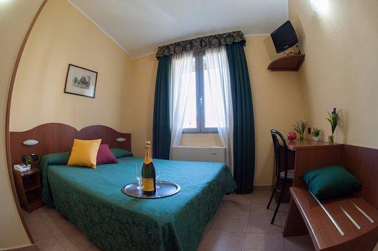 Best hotel milano italien omd men och prisj mf relse for Hotel the best milano