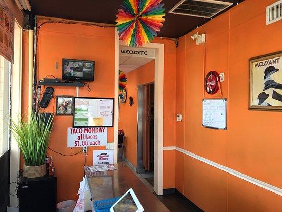 ximena 39 s tacos auburndale restaurant reviews photos. Black Bedroom Furniture Sets. Home Design Ideas