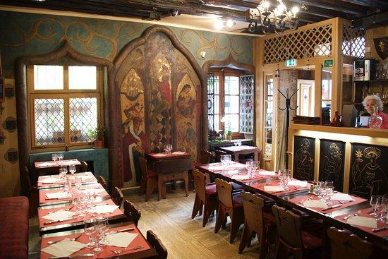 Aux anysetiers du roy restaurant paris ile de la cite ile saint louis restaurant reviews - Restaurant la table des roy ...