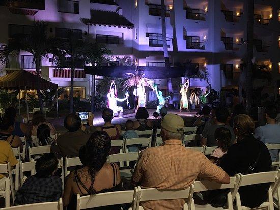 Plaza Pelicanos Grand Beach Resort: photo1.jpg