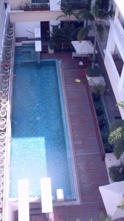 AT EASE Saladaeng by Aetas: view of narrow pool from balcony
