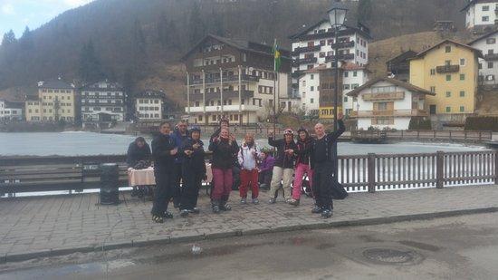 Sporthotel Europa sul Lago: Glüwein and snacks outside the hotel
