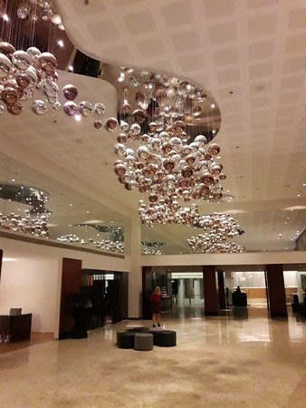 Isrotel Ganim: Big and nice lobby