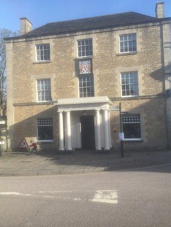 Коршем, UK: The front entrance