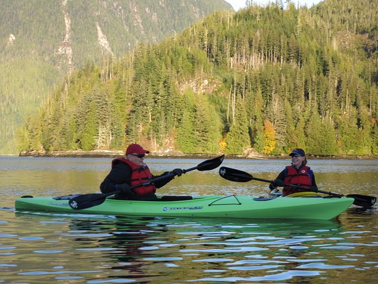 Knight Inlet Lodge: Kayaking was spectacular!