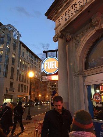 Fuel Pizza: front entrance