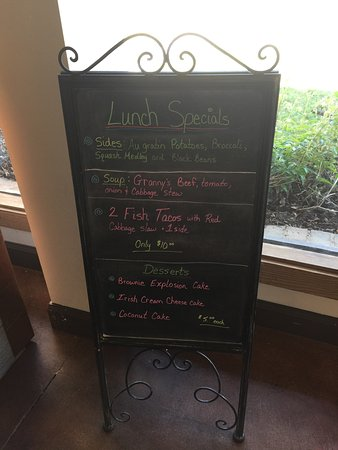 Smithville, TN: Breakfast & Lunch Menu with changing Daily Lunch Specials.