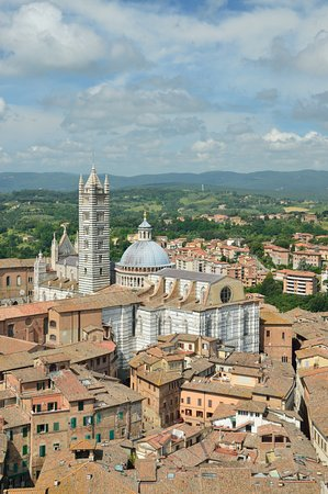Siena, Italia: Cathedral from Torre del Mangia