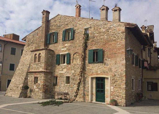 Ristorante Taverna Al Canevon: Verso il Castrum