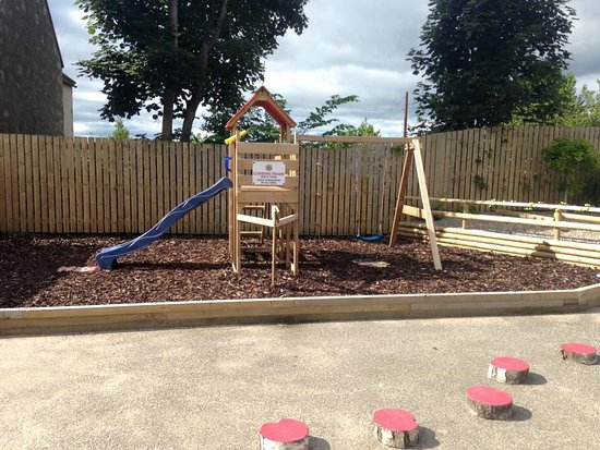 Alness, UK: Outdoor Play Frame