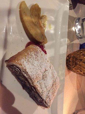 Rescaldina, Italy: Antipasto tartare con robiola al tartufo, puntarelle con spuma di burrata e alici, tagliolini al