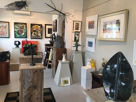 Timaru, New Zealand: inside gallery....exhibitions changing all the time :)