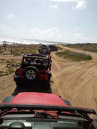 Pos Chiquito, Aruba: Jeep Convoy