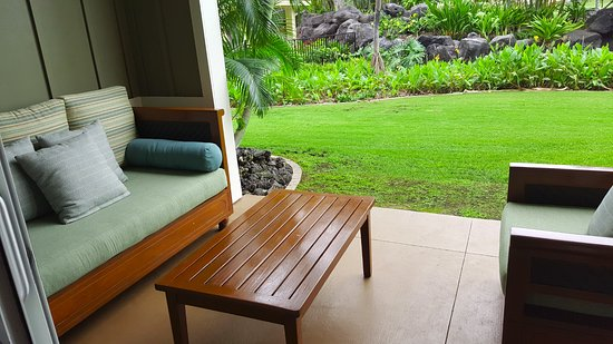 Kings' Land by Hilton Grand Vacations: Lanai, building 4 near Serenity Pool
