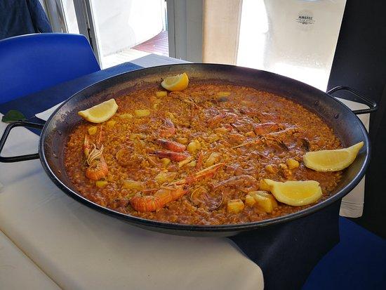 Cel Blau: Paella marinera del menú especial. Muy buena
