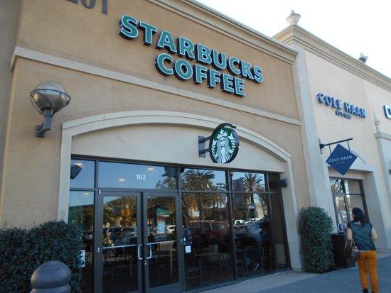 San Ysidro, Californië: ショッピングセンター内のスタバ