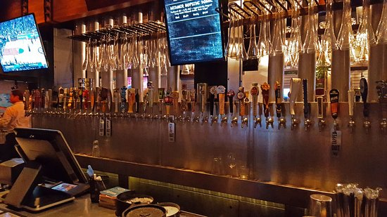 Yard House: Taps go around the entire rectangle-shaped bar