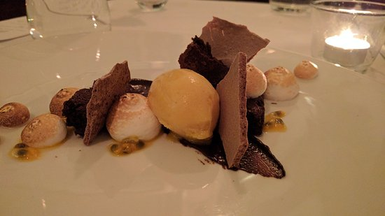 Natalie's Restaurant : Passion fruit chocolate meringue