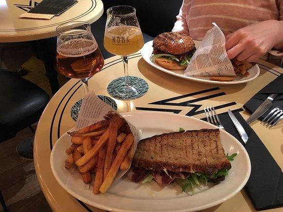 MONK - La Taverne de Cluny : photo1.jpg