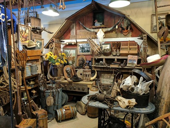 D and J's Good Ole Days Antiques and Oddities