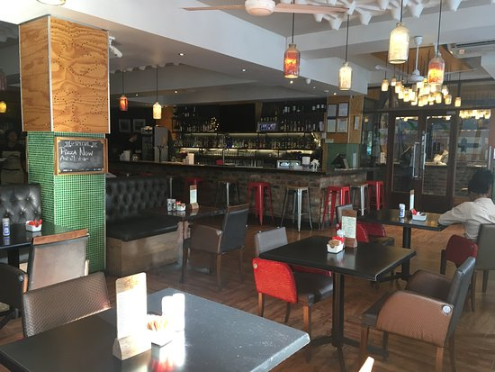 The bannister hotel braamfontein afrique du sud voir for Salle a manger johannesburg