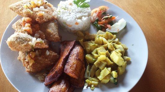 بونتا جوردا, بليز: Fried lionfish filet, yum!  And you get to be a conservationist while you eat ;)