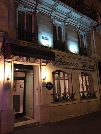 Hotel Acacia: Front of hotel