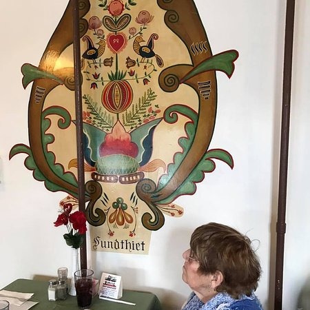 Deitsch Eck Restaurant: More of the gorgeous PA Dutch artwork created by one of the most famous PA Duch artists-Johnny O