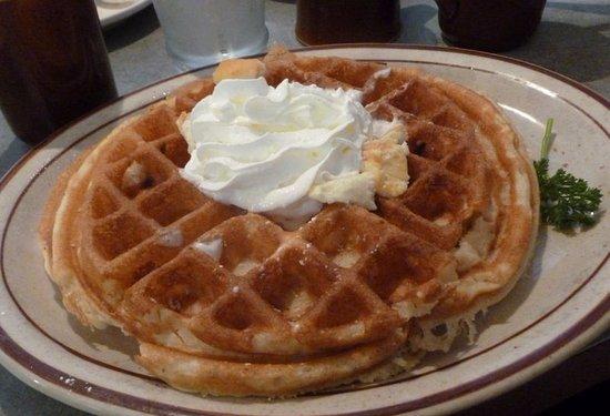 East Wenatchee, WA: Cream Cheese Waffle...