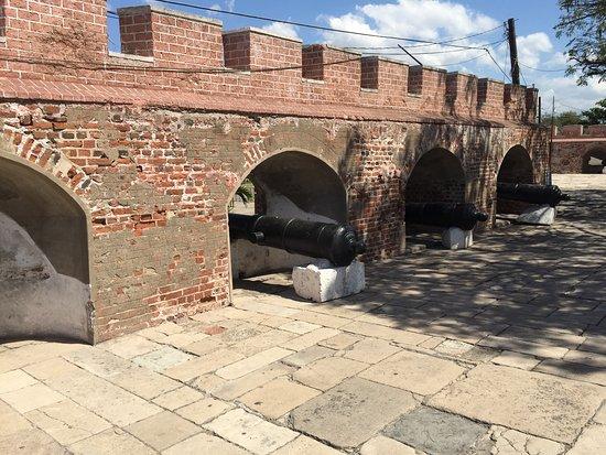 Port Royal : Cañones en la entrada