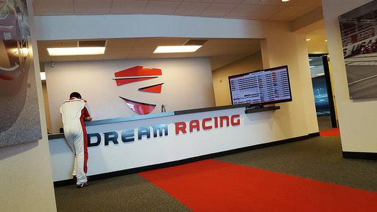 view from the briefing training room ラスベガス dream racingの