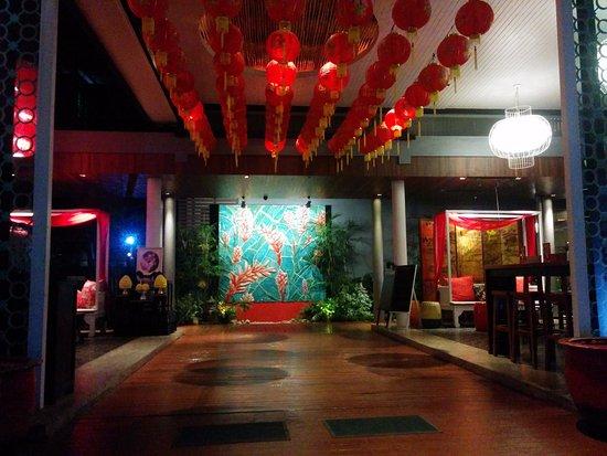 Red Ginger Chic Resort: Red Ginger lobby