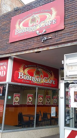 Bombay Cafe: The main entrance has pictures of the menu items which is helpful.