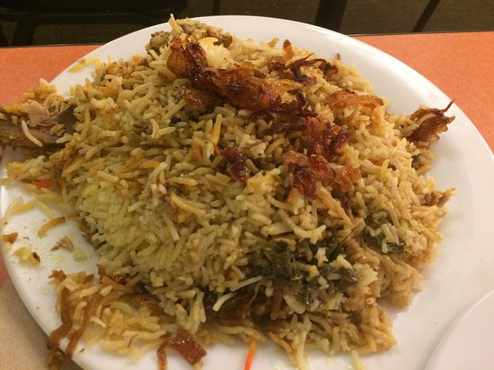 Hayward, CA: Chicken Biryani, Chicken Tandoori and they have weekend banquet facilities.