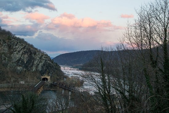 The Ledge House Bed and Breakfast : View from deck overlooking the rivers and railroad