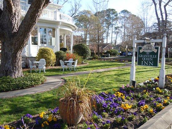 Edenton, NC: Winter Garden