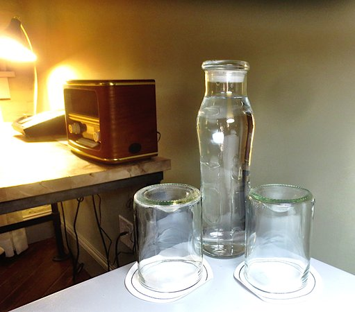 Pittsfield, MA: Bedside water and glasses waiting for you
