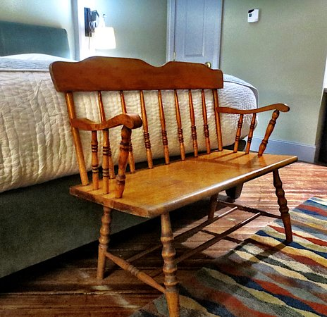 Pittsfield, MA: Love the furnishings