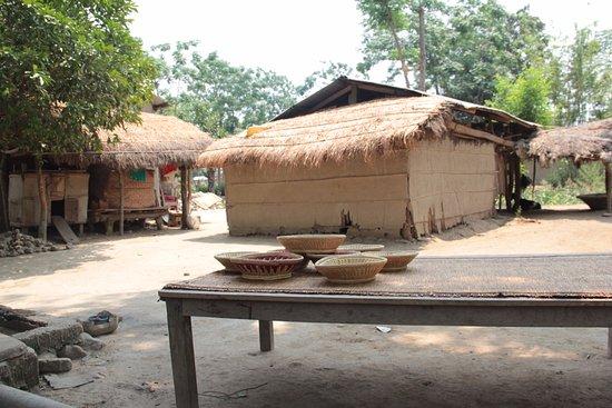 Chitwan District, Nepal: Get close to the Tharu Culture