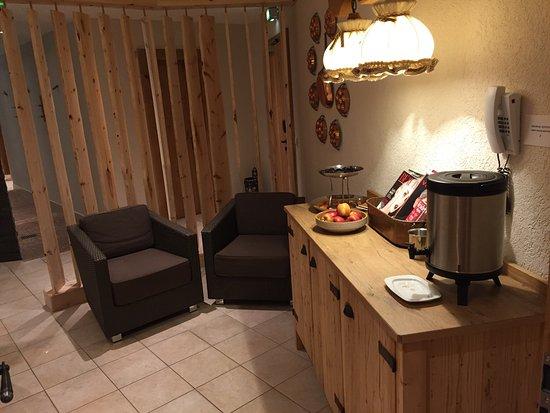 Parsdorf, Deutschland: Business Zimmer und Ruhezonen der Wellnessoase